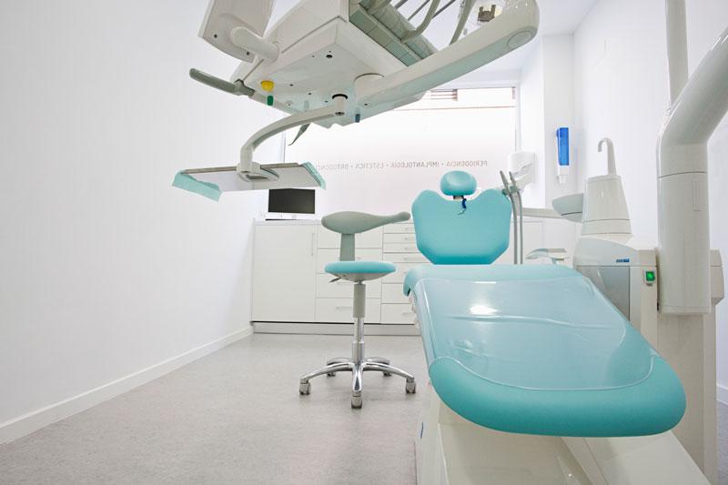 Box y equipamiento clinica odontologica.